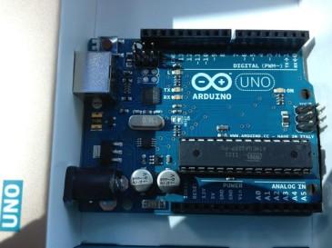 Arduino-Uno-e1339145110574